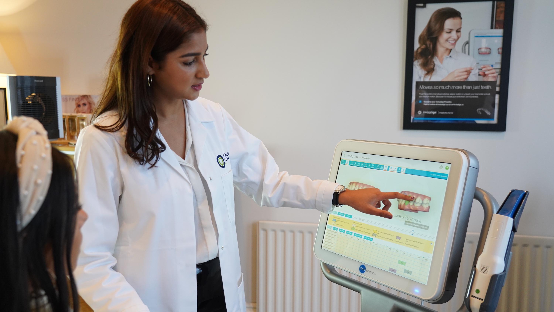 Invisalign Newcastle | Honour Health | Dentist