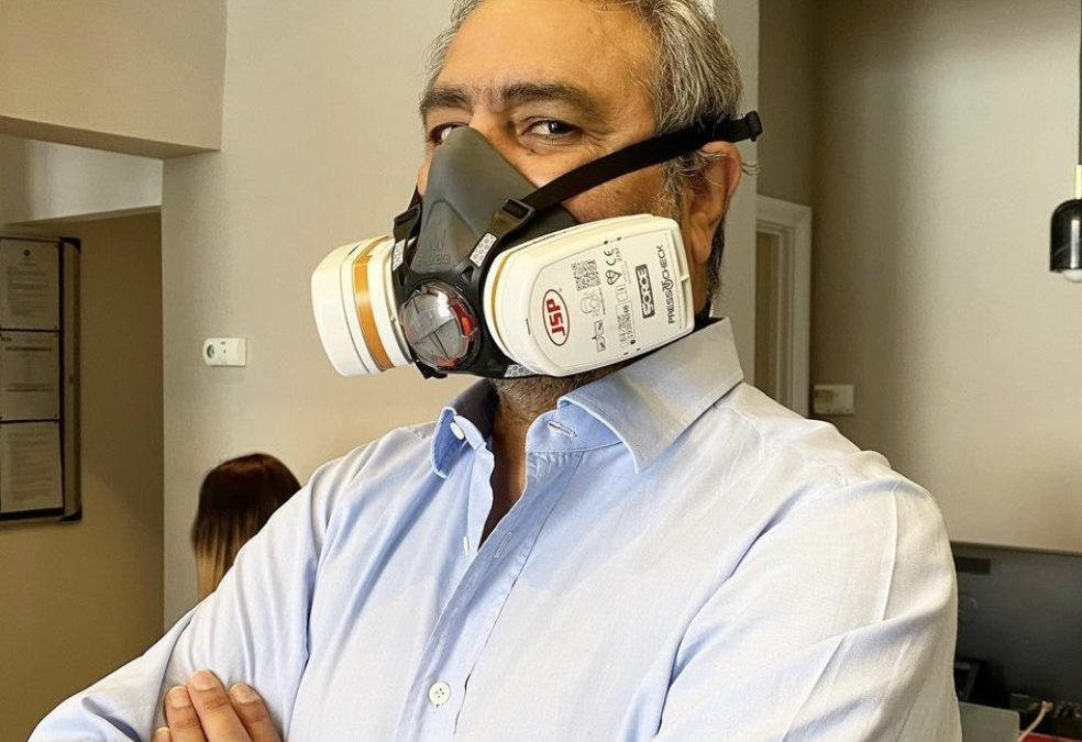 Onkar Dhanoya being fit tested for his FFP3 mask